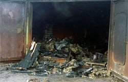 На ул. Орджоникидзе сгорел гараж, есть пострадавший