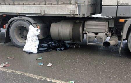 На «Минке» под колесами фуры погиб пешеход