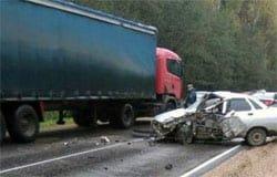 Под Вязьмой в ДТП с фурой погиб водитель десятки