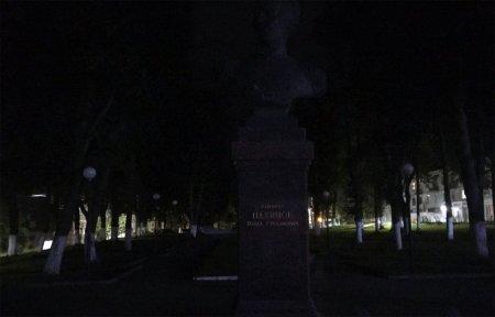 Вязьма - не темная деревня! Нет освещения даже на центральных улицах