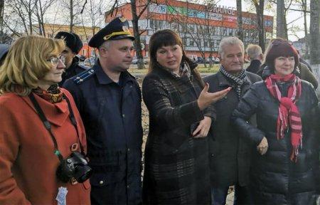 В Вязьме прошло торжественное открытие сквера им. Савицкой