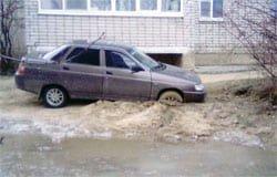 С приходом морозов в «комфортную среду» начали вмерзать автомобили
