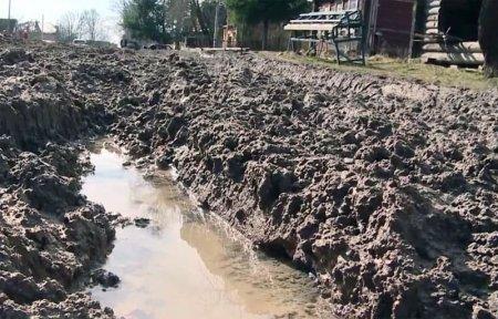 Чиновники уничтожают город: ул. Ушакова превратилась в грязное месиво