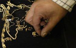 Бывший кавалер оставил вязьмичку без золотых украшений