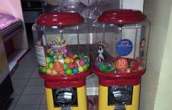 Житель Вязьмы разгромил автомат по продаже мячиков-попрыгунов