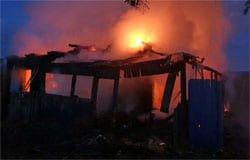 В Туманово сгорел дом, пострадавшего доставили в Вязьму