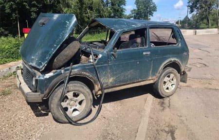 На Комсомольской перевернулась Нива, есть пострадавшие