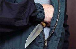 На ул. Матросова на женщину набросились с ножом