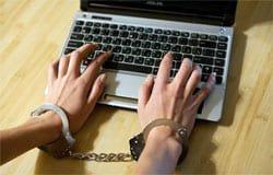 За критику в Черном списке ВК вязьмичку признали экстремисткой