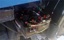 Вяземские полицейские раскрыли кражу аккумуляторов с КАМАЗа