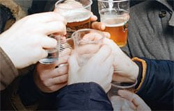 Пьяный дебош в кафе закончился для вязьмича исчезновением банковских карт