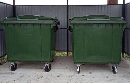 В Вязьму поступили мусорные контейнеры из колонии №1