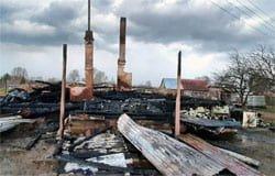 В деревне Пушкино Вяземского района сгорел дом