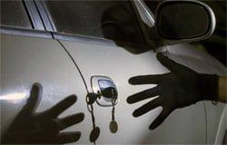 В Вязьме у пенсионера угнали автомобиль