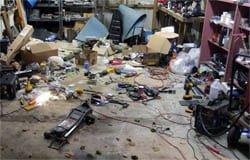 В Вязьме из гаража украли электроинструмент на 110 000 рублей