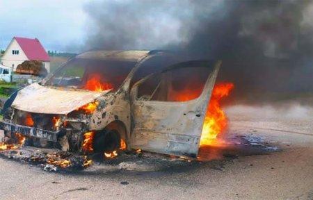 В Относово загорелся автомобиль